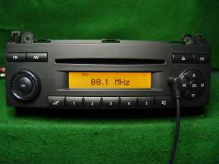 Mercedes Benz Dodge Sprinter CD Radio  Ipod AuX SAT A906 820 07 86